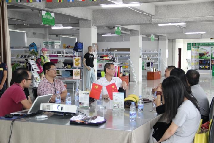 青艺-2015两新组织党代表参观公司